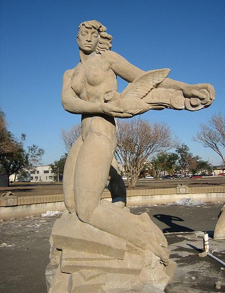 Enrique Alferez Fountain